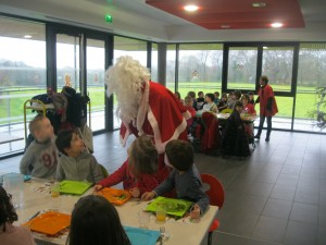 repas-de-noel-2015-au-restaurant-scolaire-3